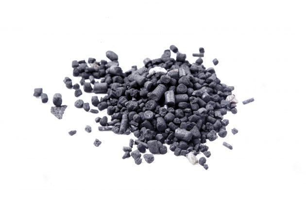 Уголь - главный активный компонент в зубных пастах черного цвета