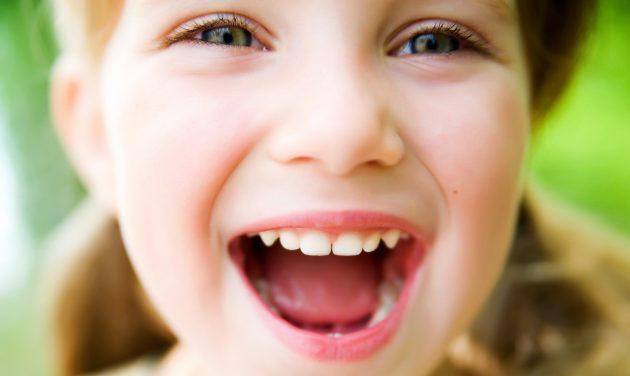 Регулярный уход за полостью рта с раннего возраста - залог здоровых зубов в будущем
