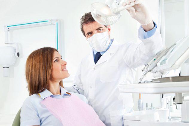 В стоматологическом кресле
