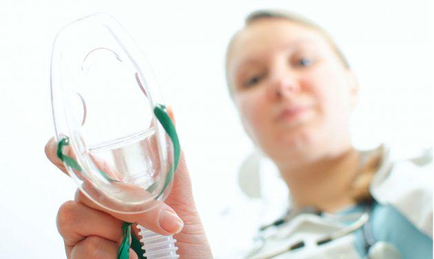 Общий наркоз применяется при лечении флюса у детей до 2 лет