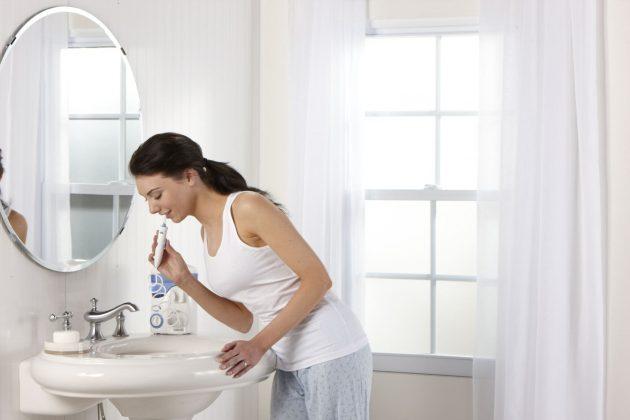 Ирригатор предупреждает появление многих заболеваний полости рта