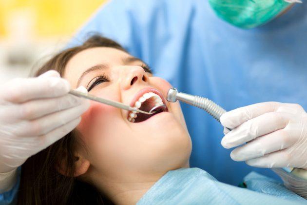 Боль в зубе после лечения кариеса не всегда говорит о развитии патологии