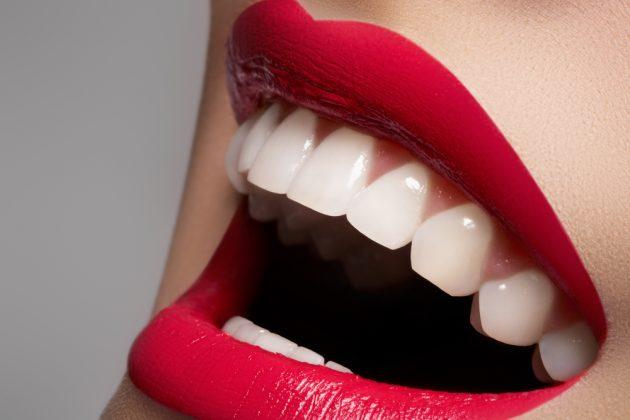 Зубная паста White White позиционируется как отбеливающая
