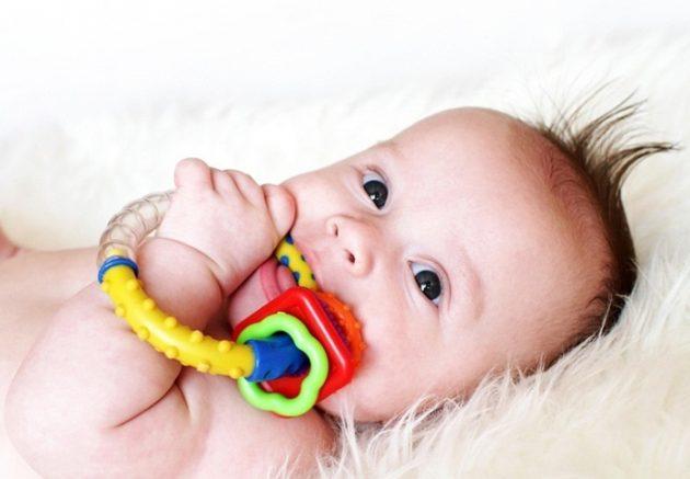 Передача стоматита возможна через немытые игрушки