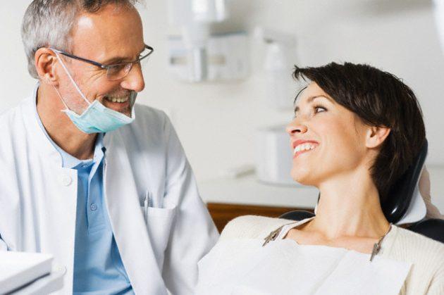 Выбрать метод отбеливания зубов поможет стоматолог