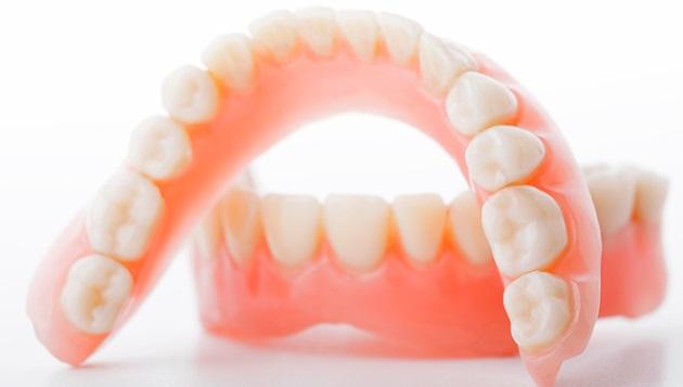 полиуритановые зубные протез