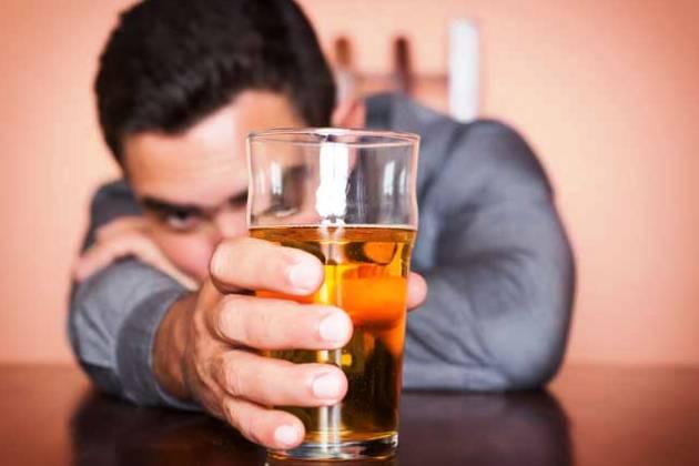 от приема алкоголя после удаления зуба следует воздержаться