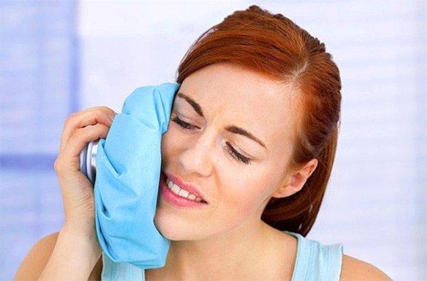 к опухшей щеке после удаления зуба можно приложить холод
