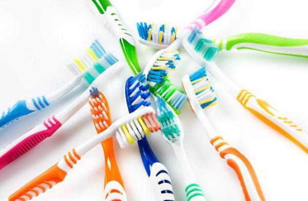как часто надо менять зубную щетку